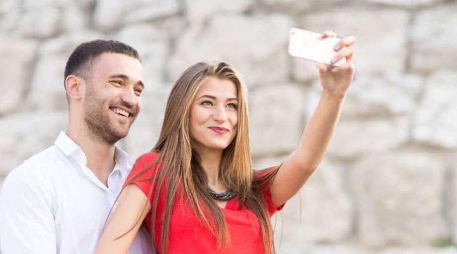 a foreign affair dating